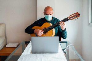 Estrategias para artistas para mantenerse activo durante la cuarentena