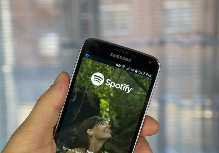 Cuantas reproducciones necesitas en Spotify para vivir de tu música